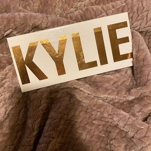 Kylie Cosmetics: The Royal Peach Palette
